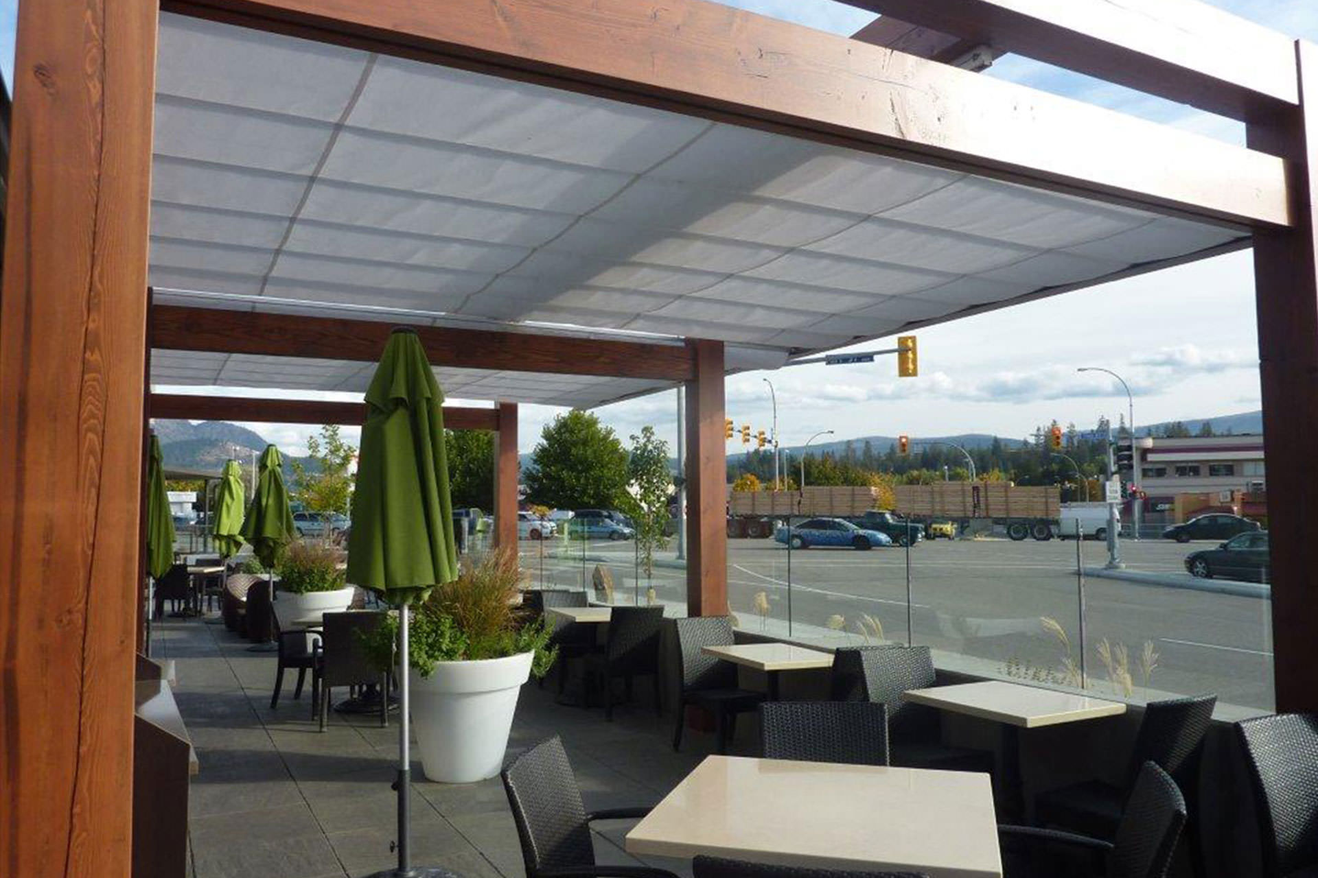 Cantilever Retractable Canopies at Ora Restaurant in Kelowna