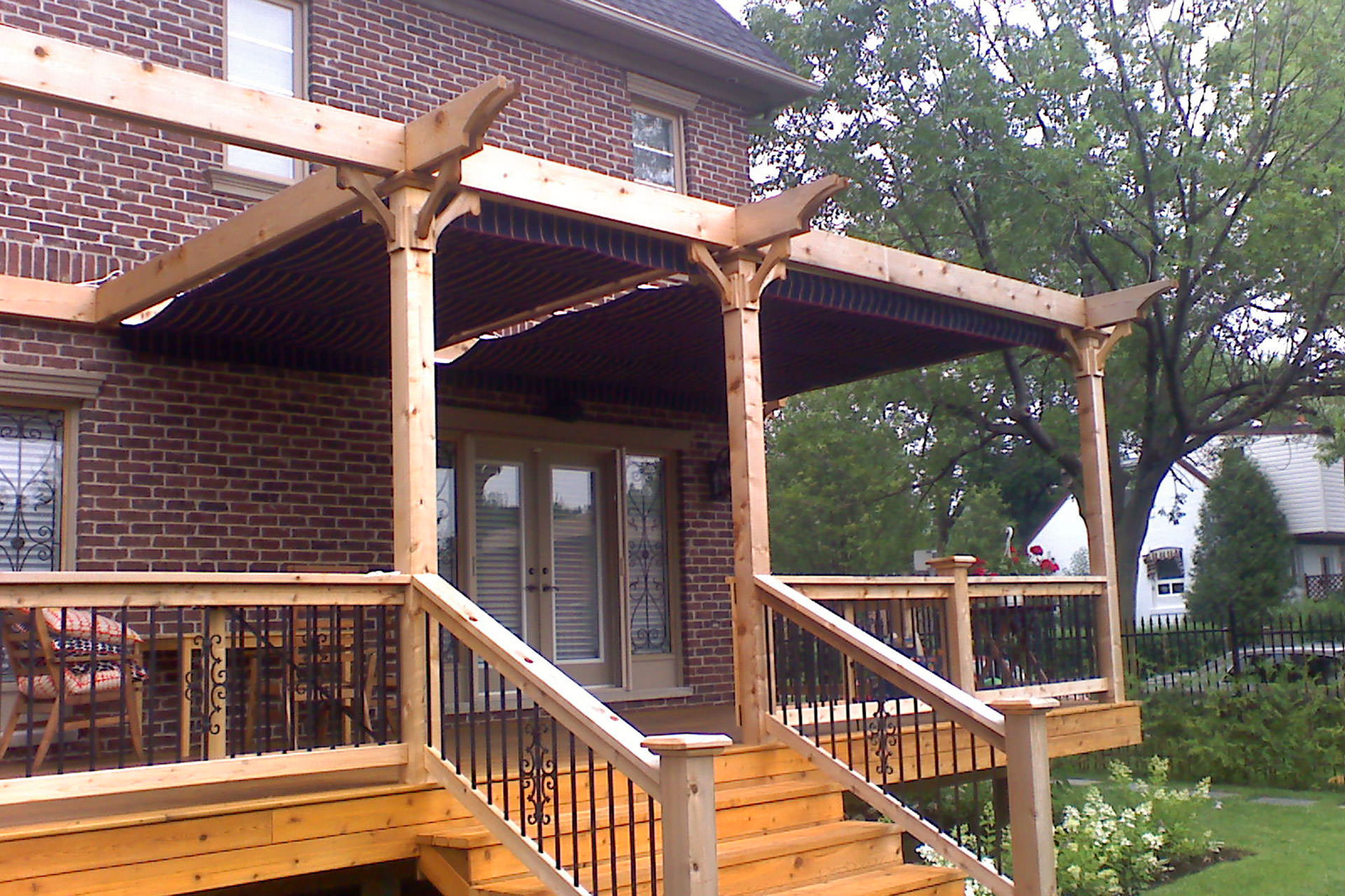 Pergola Design: Attached, Freestanding or Hybrid