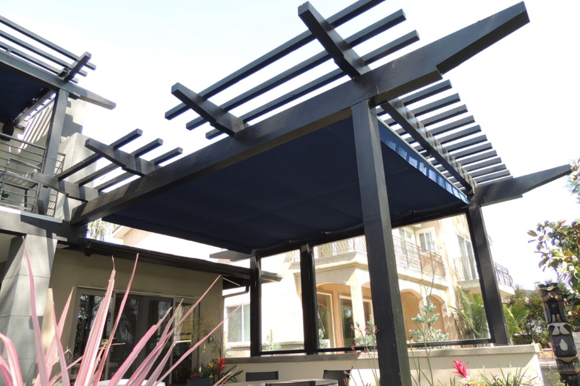 Pergolas or patio covers how to choose the right shade solution - Waterdichte pergola cover ...