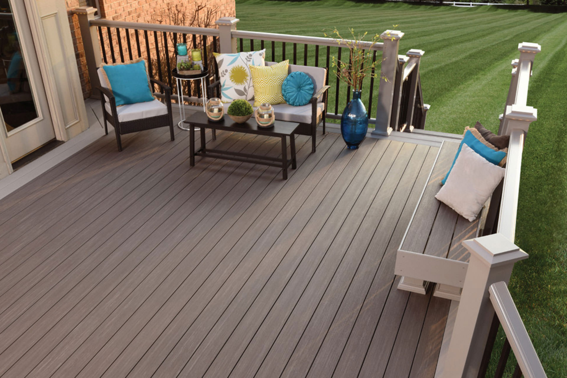 Pvc Composite Decking : Wood composite or pvc a guide to choosing deck materials