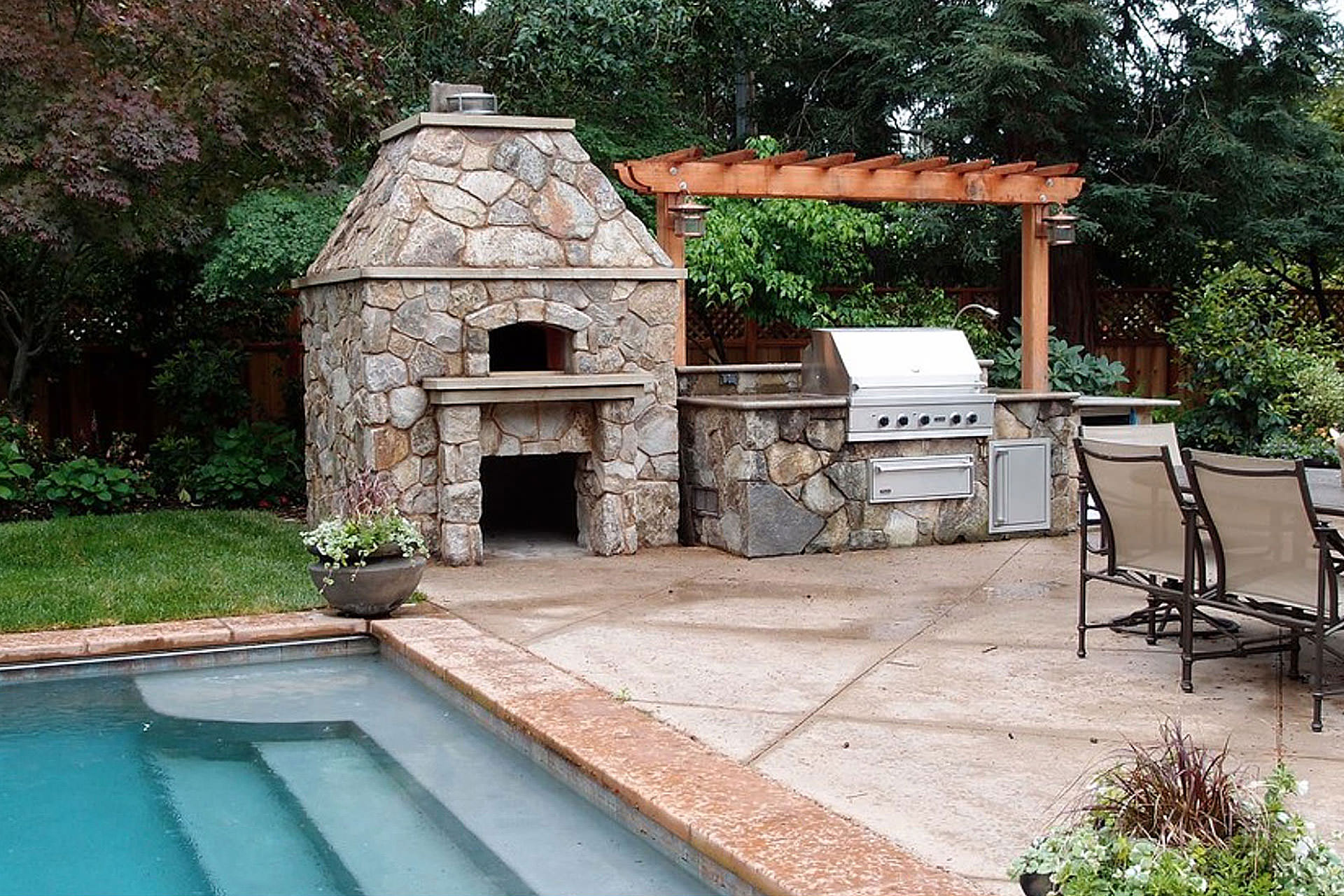 Outdoor Privacy Options Fireplace
