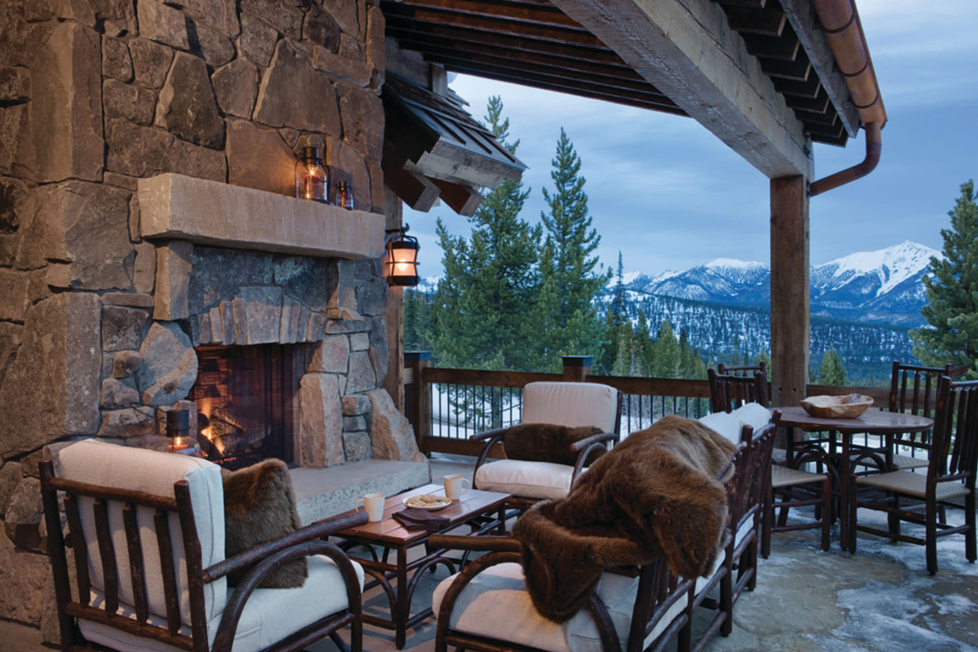 Five Ways to Extend Your Outdoor Living Space Season on Outdoor Living Ltd id=67786