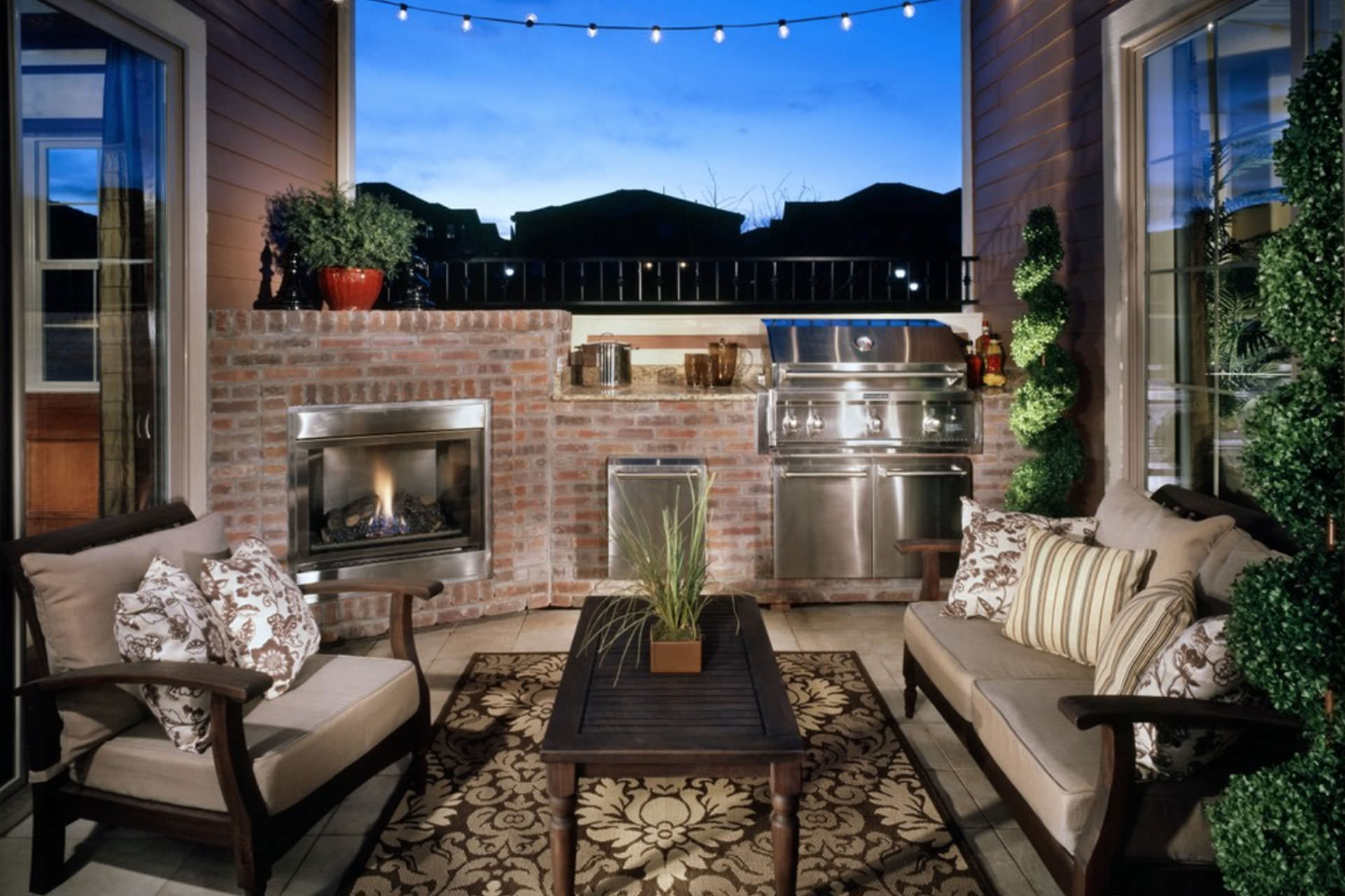 5 Ideas for Making a Big Impact in a Small Outdoor Space on Patio Ideas For Small Spaces id=48553