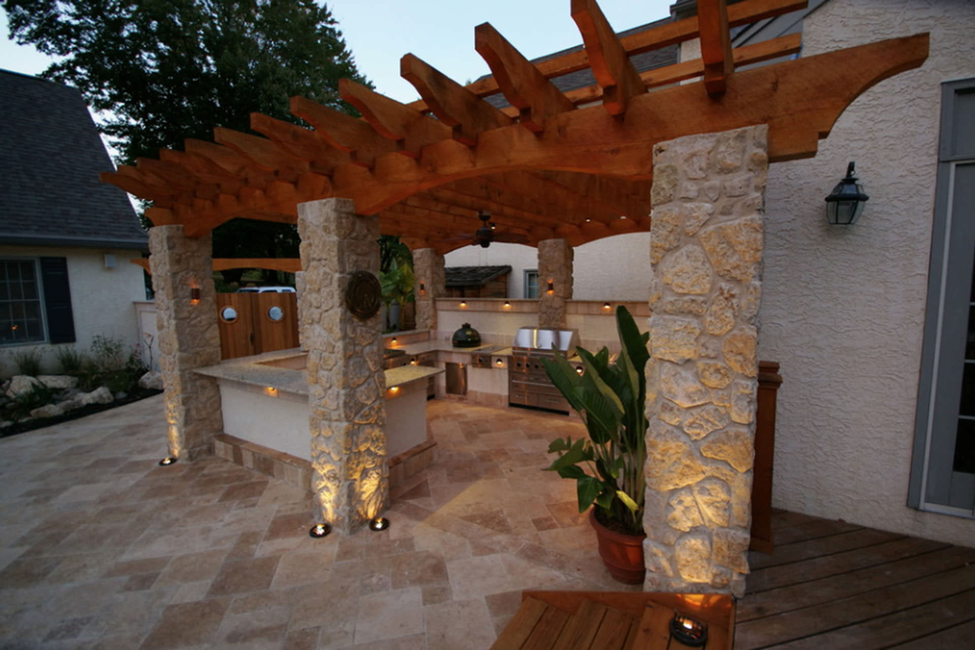 Uplight Pergola Lighting Ideas