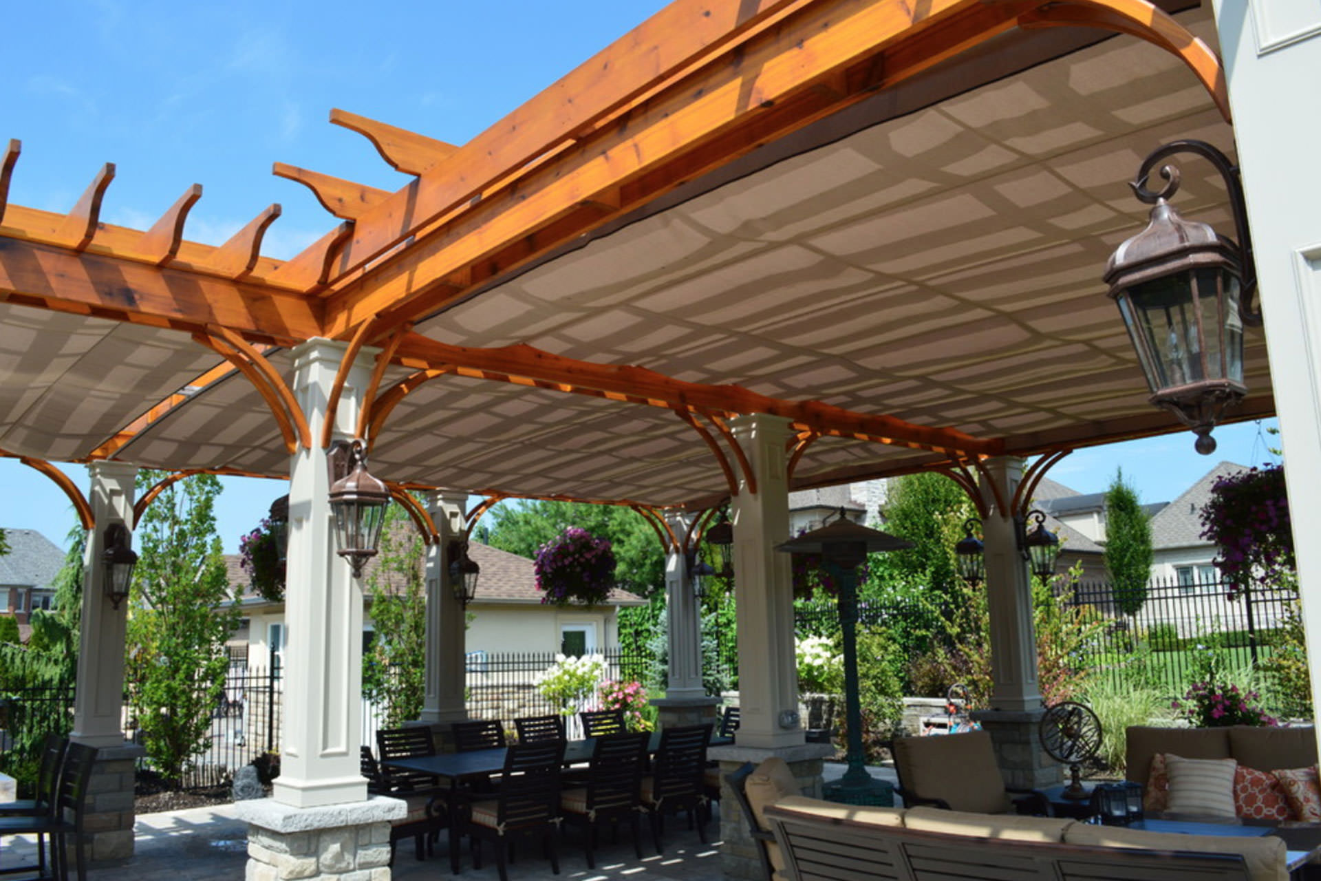 Choosing A Retractable Awning   U0026 39 Covering U0026 39  All The Options