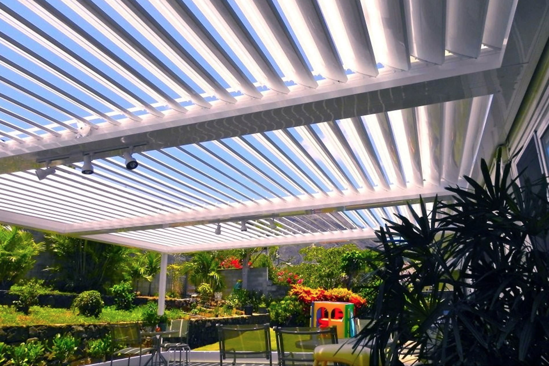 Louvere Roofs