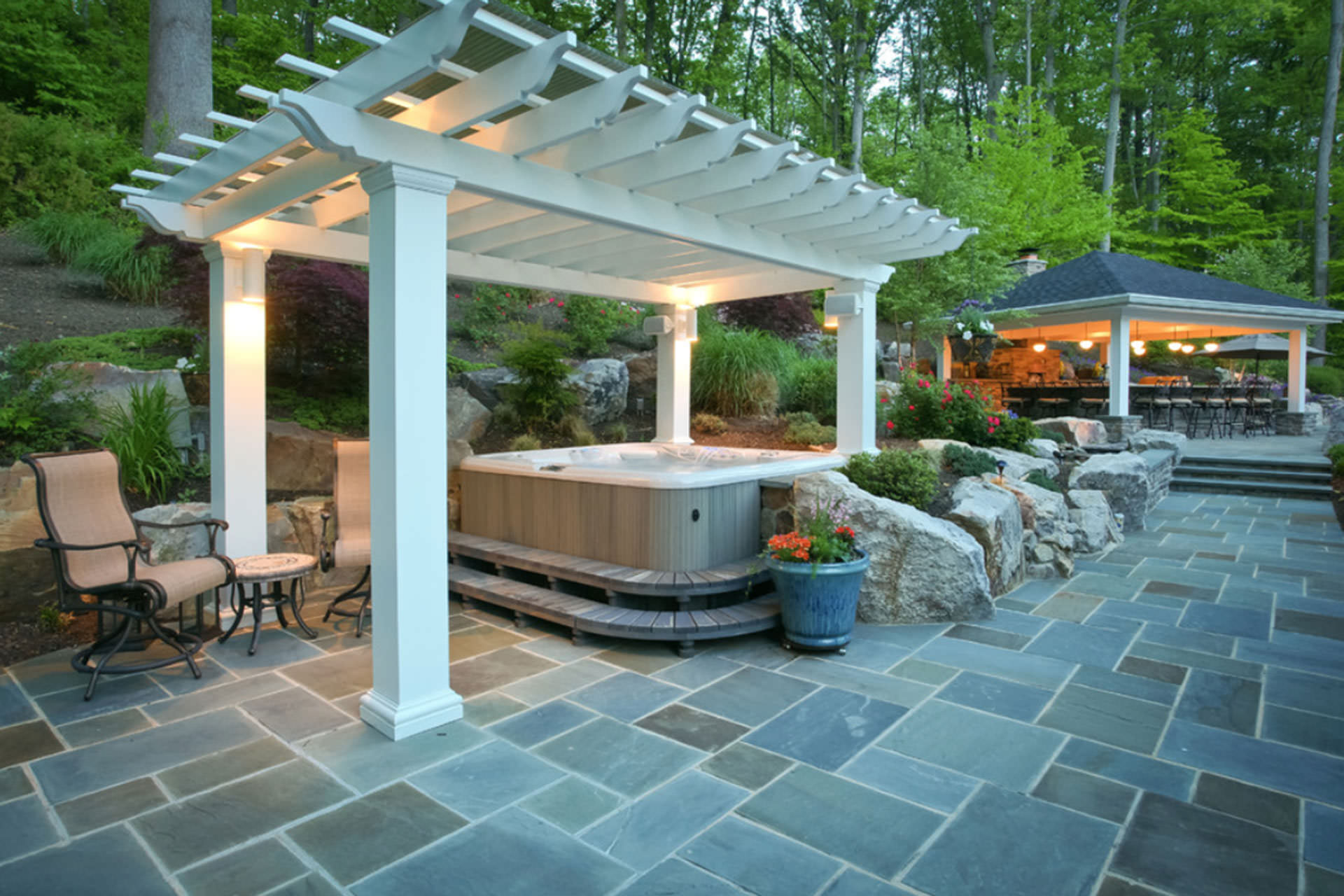 Five popular design features for outdoor entertaining for Backyard design ideas for entertaining