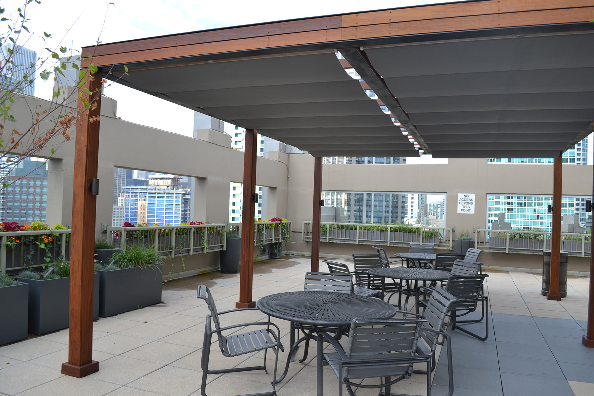 Chicago roof deck turns to shadefx for shade and privacy solutions on rooftop patio - Shade canopy for deck ...