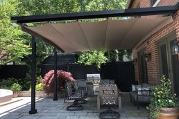 retractable shade structure